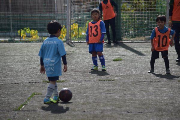 126519145 3503057499773831 2778015795854921539 o 600x400 - 一緒にプレーしながらアドバイスも出来たり、親子でボールを通じてのコミュニケーションもとれます!