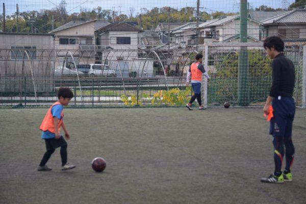 126820856 3503057423107172 3344761671753633134 o 600x400 - 一緒にプレーしながらアドバイスも出来たり、親子でボールを通じてのコミュニケーションもとれます!