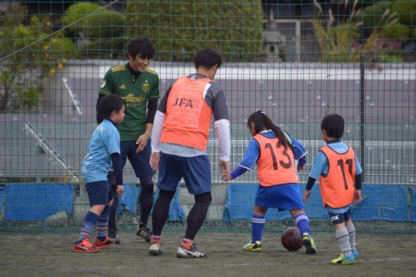 126858759 3503057356440512 4777952705604284187 o 600x400 - 一緒にプレーしながらアドバイスも出来たり、親子でボールを通じてのコミュニケーションもとれます!
